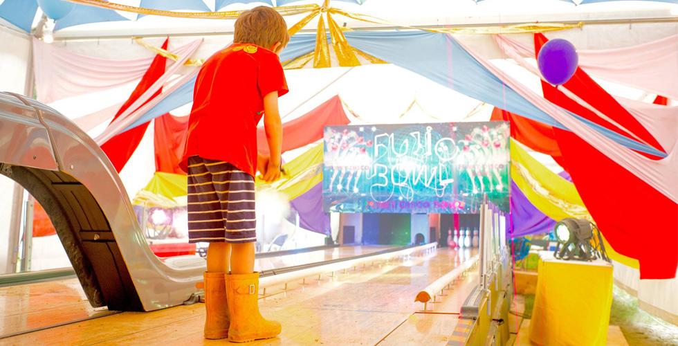ミュージシャン、音楽通に愛される ボウリング場 「笹塚ボウル」の秘密