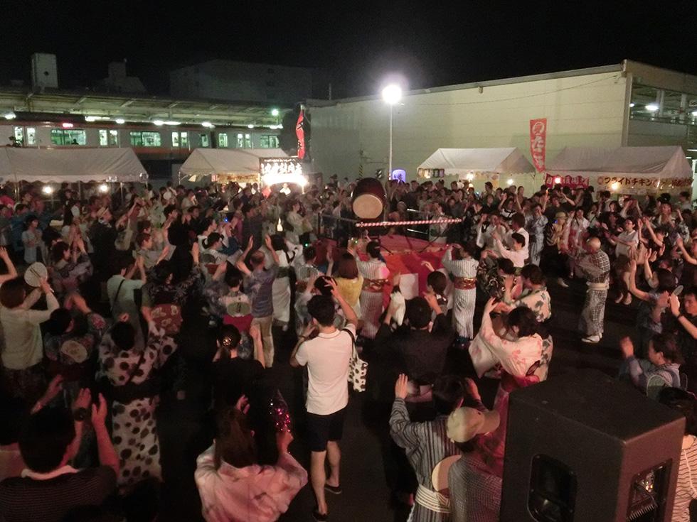 生演奏で踊る贅沢 「一番大事なのは『みんなで楽しもうぜ』というスタンス」(1)