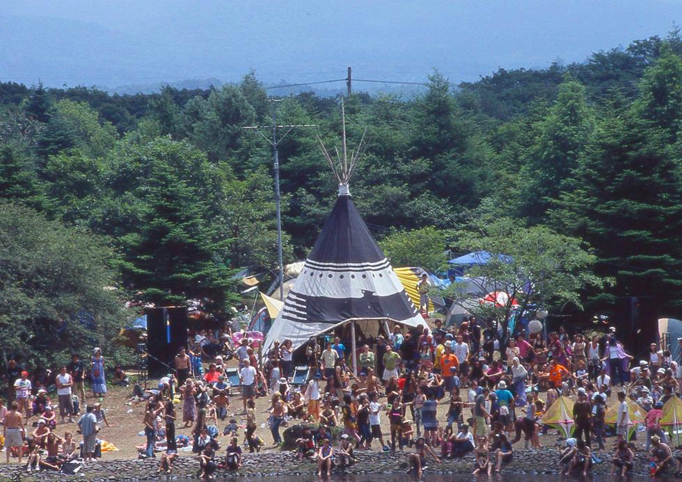 本栖湖で行われた「SOLSTICE」(2002年)