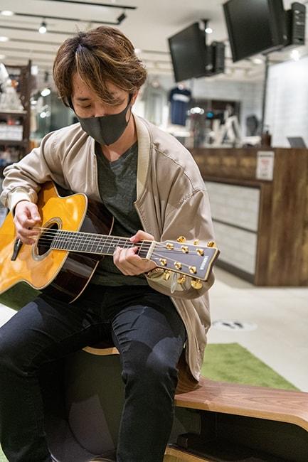 """""""西村ヒロチョ""""ギターを買う(9)"""