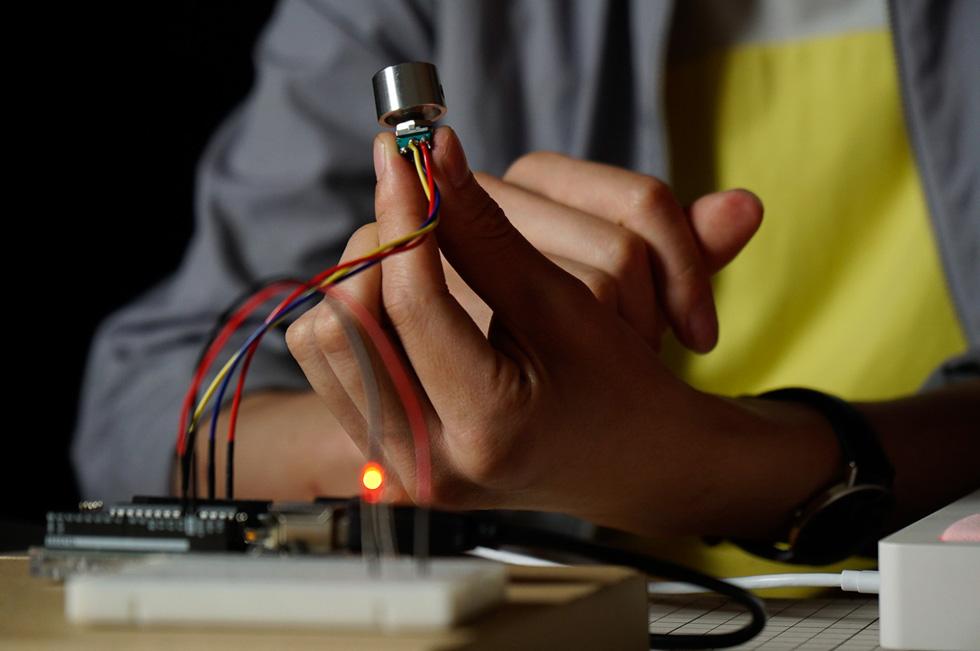 可変抵抗器をブレッドボードから離す(6)